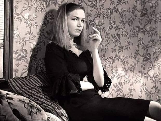 Людмила Чурсина в фильме *Два билета на дневной сеанс*, 1966 | Фото: kino-teatr.ru