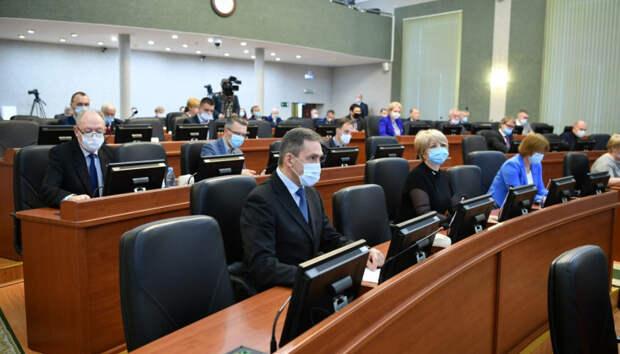 Парламентарии заслушали ежегодный отчет главы Карелии