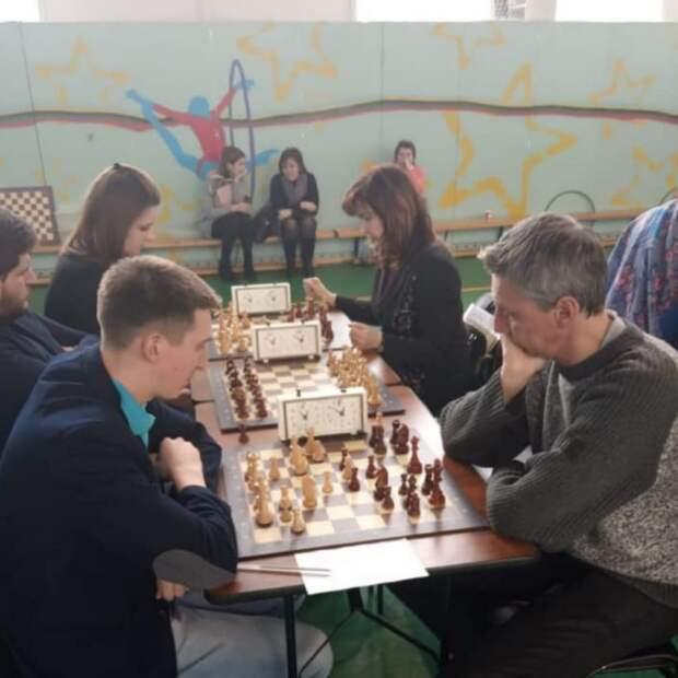 Глава управы Елена Колесова сыграла за команду Северного на окружной спартакиаде