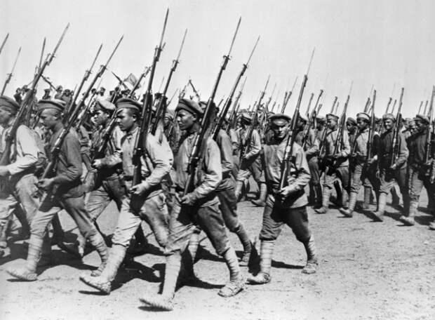 Парад частей Красной Армии в Харькове 1 июня 1920 года