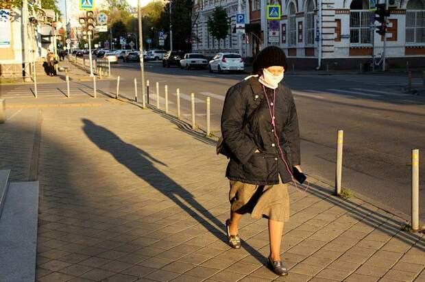 Жителей Кубани призвали меньше бывать в общественных местах
