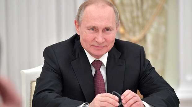 """""""Им будет полезно посмотреть, как жизнь устроена"""": Путин пообещал """"спустить на землю"""" чиновников"""