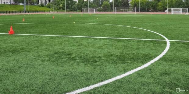 На спортивной площадке у школы №1515 подросткам запретят включать громкую музыку