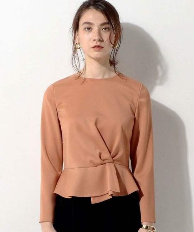 Детали футболок и блузок