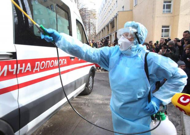 Издевательство власти над врачами переходит рамки разумного – украинский политик
