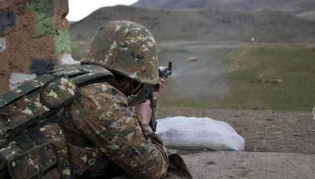 В Армении сообщили, что перестрелки на границе с Азербайджаном продолжаются
