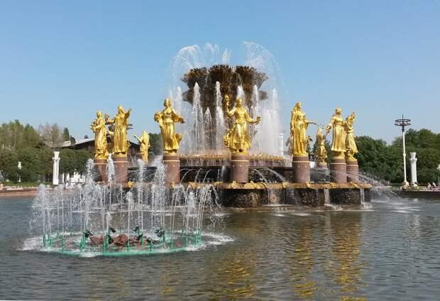 ВДНХ стала самым посещаемым туристическим местом этим летом