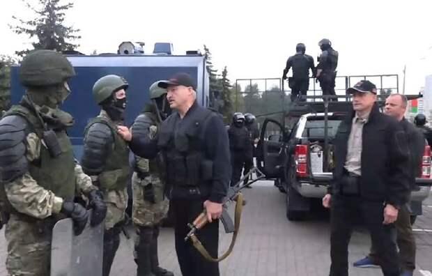 На пороге эпохи титанов — Лукашенко и толпа
