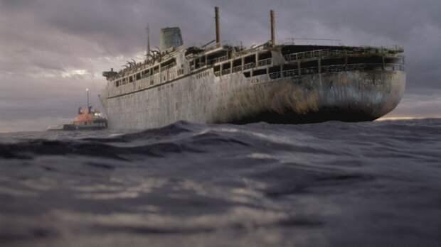 """Ни груза, ни людей: к берегам Мьянмы прибыл """"корабль-призрак"""""""