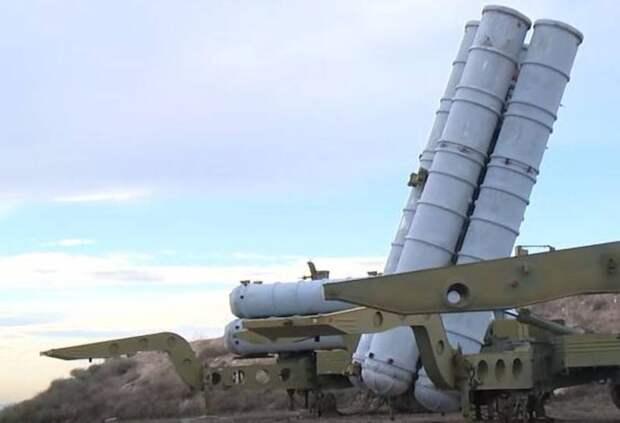 В Азербайджане сообщают об уничтожении С-300 Армении: в небе над границей БПЛА Турции