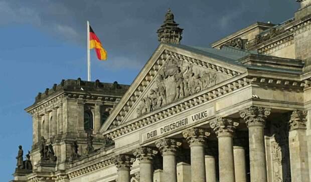 Берлин пригрозил Москве санкциями в случае агрессии в сторону Украины