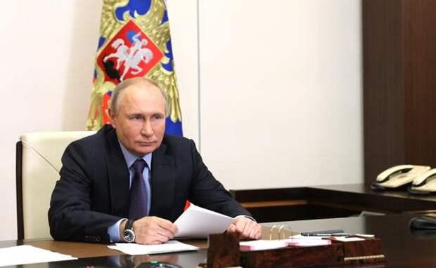 Источник URA.RU сообщил, что Путин продолжает фокусироваться на социальных проблемах страны