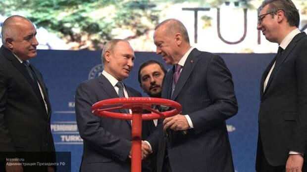 «Никак не развалимся»: Сатановский объяснил, почему Запад выбрал врагом Россию
