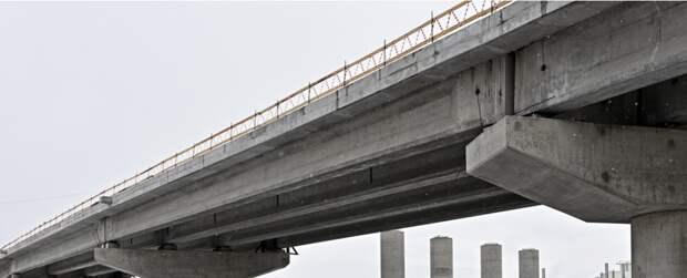 На пересечении СВХ с проспектом Мира начали бетонировать дорожное полотно трех эстакад