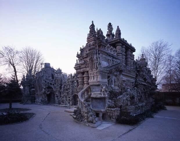 Идеальный дворец почтальона Шеваля