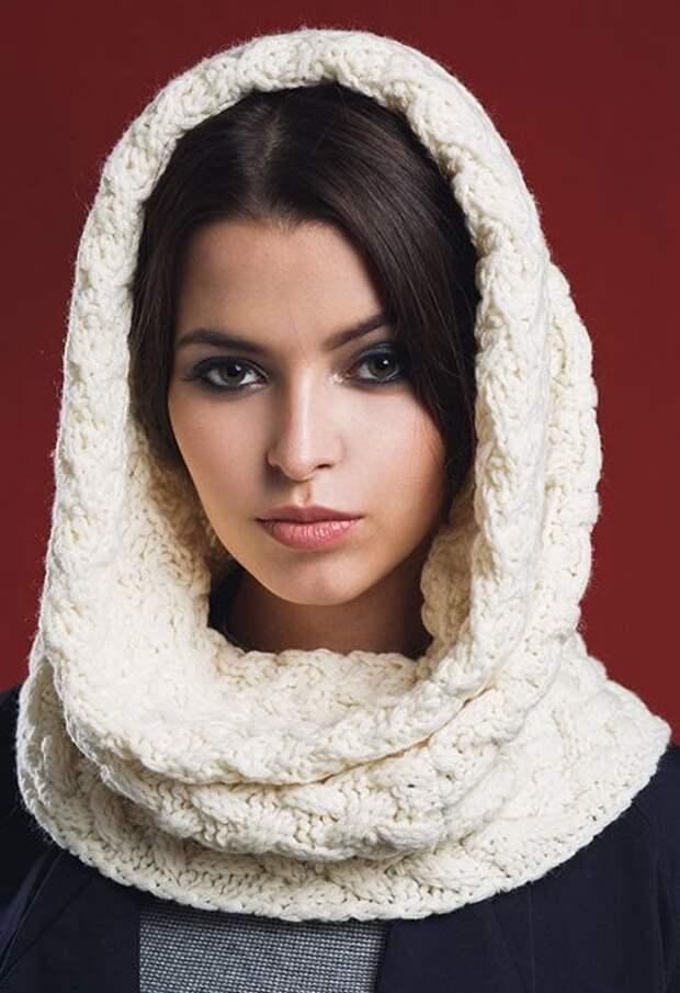 Стильный шарф-капор: отличная альтернатива шапке