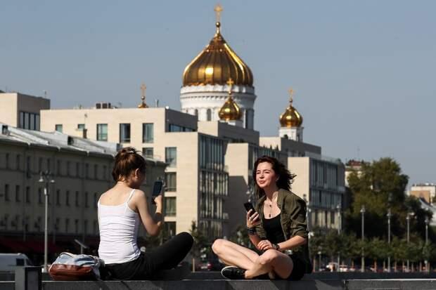 Стало известно, когда москвичей ожидает по-летнему теплая погода