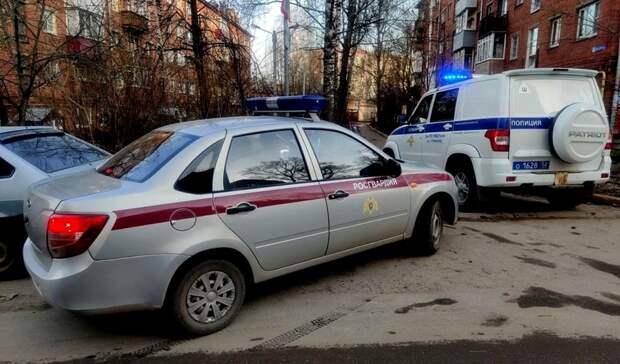 Напился исхватился заружье: Нижегородец устроил стрельбу сбалкона жилого дома