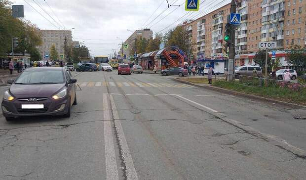 Водитель иномарки устроил тройное ДТП в Ижевске, пострадал ребенок