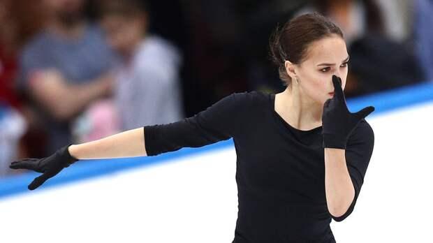 «Когда хорошо потренировался». Валиева показала, как Загитова «отдыхает» на полу в зале: видео