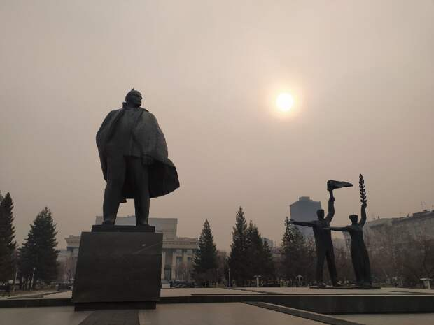«На улицу не выходить»: в Новосибирске вновь зафиксировали высокий уровень загрязнения воздуха