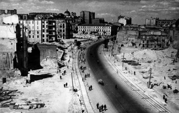 Киев, Крещатик. 1944 год. история, факты, фото