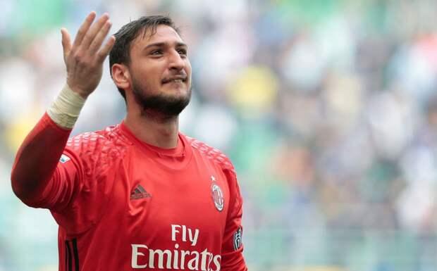 «Милан» предложил Доннарумме зарплату в 7 млн евро. Райола хочет, чтобы игрок получал больше