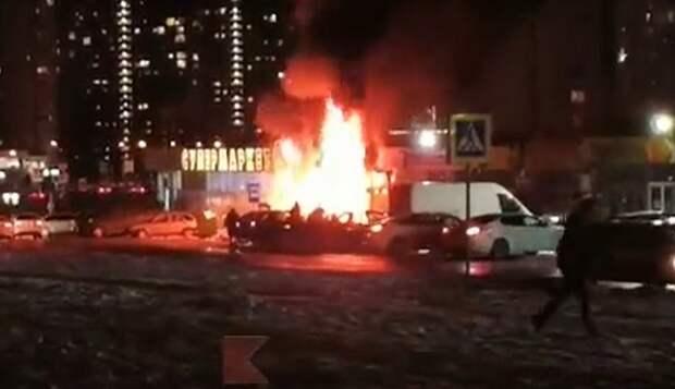 В Краснодаре завели уголовное дело о пожаре на цветочном рынке
