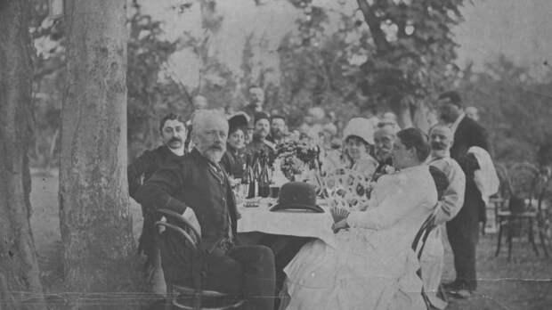 Чайковский на званом обеде вего честь. Тифлис, 1889.