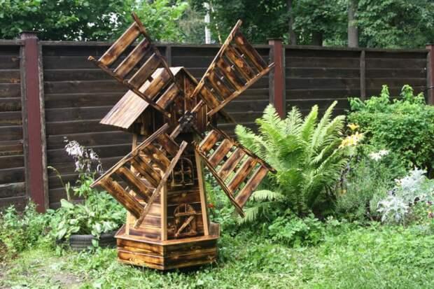 Деревянная стилистика оформления придомовой территории
