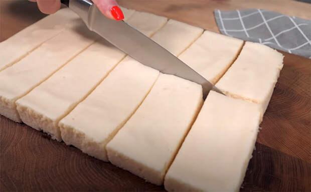 Лакомство для тех, кто не хочет поправляться: зефир из двух ингредиентов без использования сахара