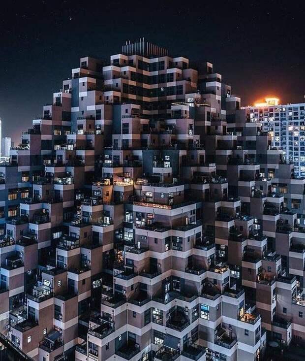 Жилой комплекс - пирамида