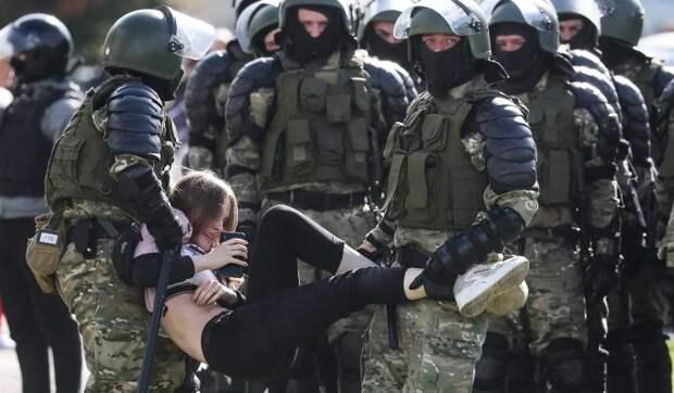 Отзыв российских силовиков от границ с Белоруссией объяснили: Лукашенко не собираются удерживать у власти