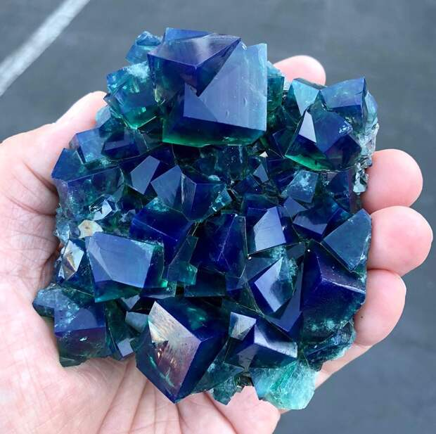 Удивительные минералы
