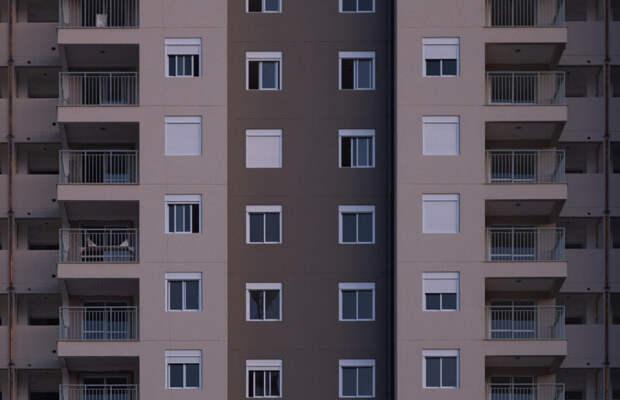 Падение рубля привело к скачку цен на новые квартиры