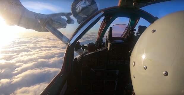 Воздушная дозаправка истребителей-перехватчиком МиГ-31БМ на скорости свыше 500 км/ч