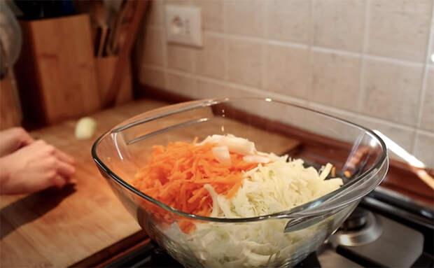 Превращаем простые продукты в деликатес: открыли банку тунца и смешиваем с йогуртовой заправкой