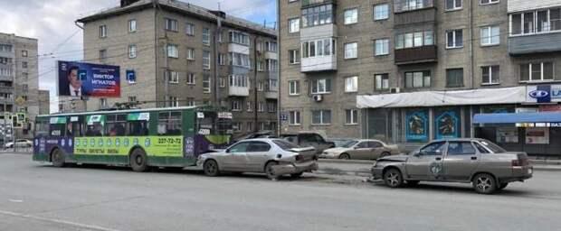 Пьяная женщина устроила ДТП с троллейбусом на Станиславского