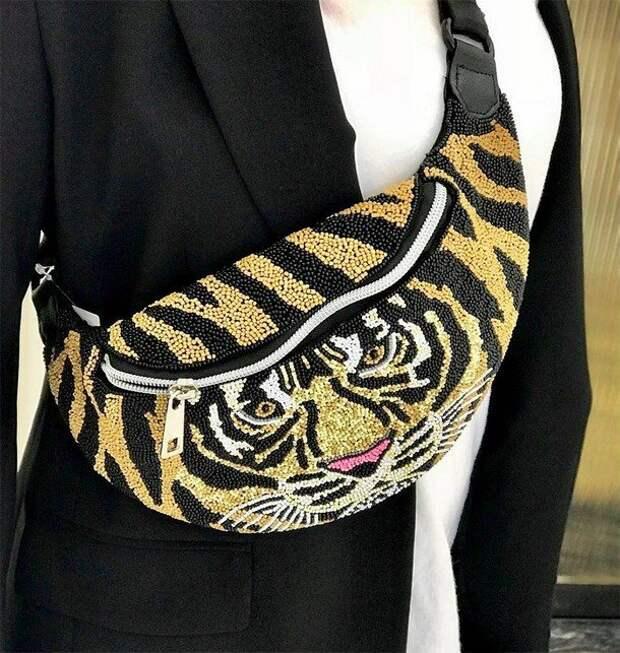 Анималистические принты снова в моде: какого леопарда и тигра выбирать этой зимой