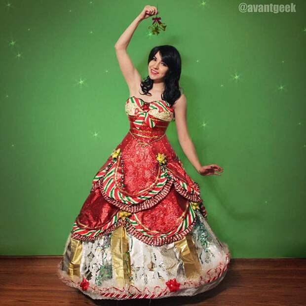 Несколько лет мастерица шила платья из оберточной бумаги после праздников