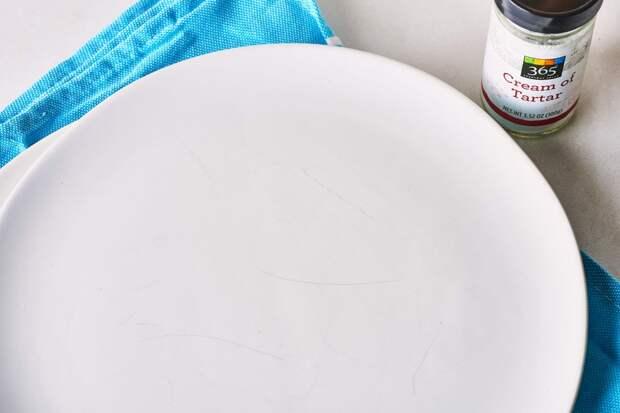 Как восстановить поцарапанные обеденные тарелки