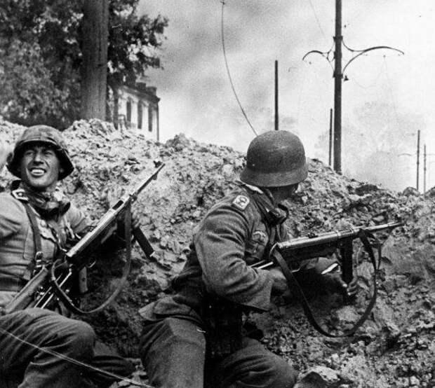 фото: общественное достояние Немецкие солдаты на Восточном фронте