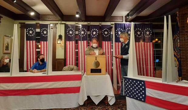 Обнародованы первые результаты выборов президента США