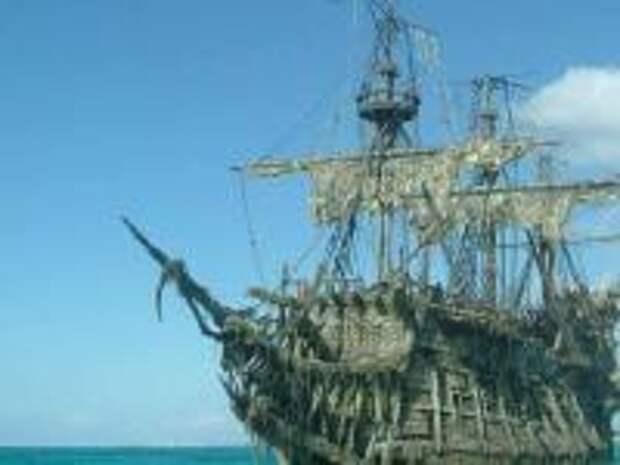 Тайна «Летучего голландца». Что на самом деле видели моряки при встрече с «кораблем-призраком»