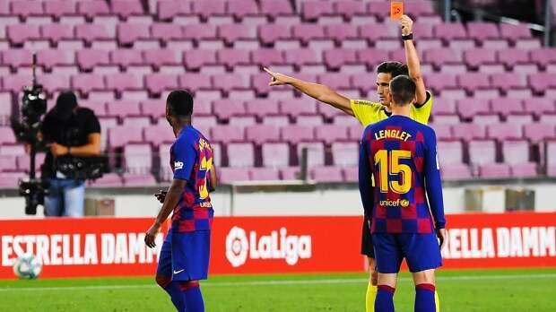 Безумие с VAR в матче «Барселоны» — 2 удаления за 3 минуты. Оба — после просмотра видеоповтора