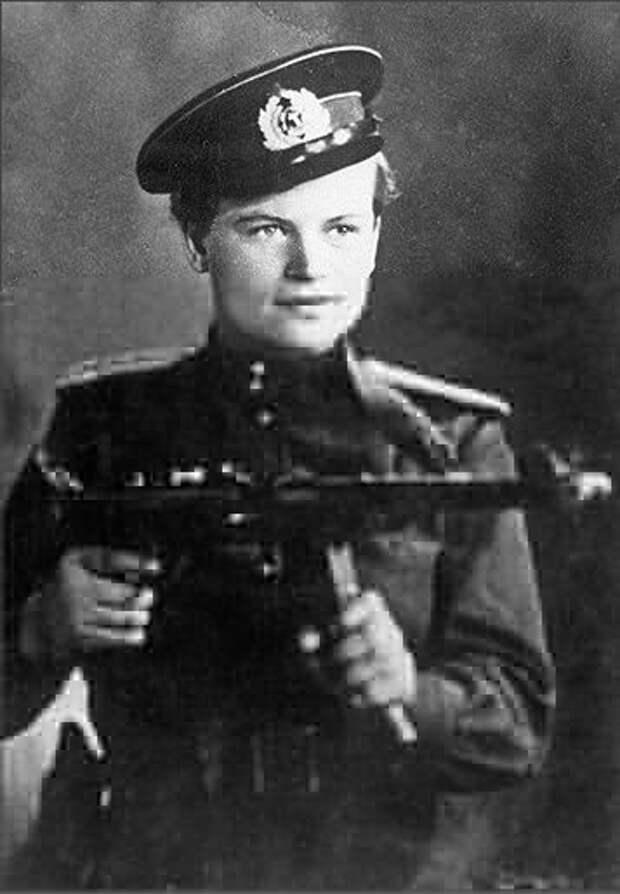 """""""Черная смерть """" Дуська Завалий. Единственная женщина - командир взвода морской пехоты"""