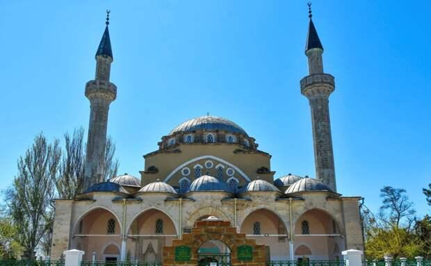 Глава Крыма поздравил мусульман с праздником Ураза-байрам