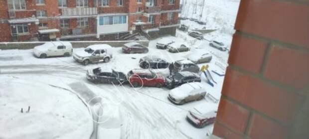 Из-за снега в Иркутске случился транспортный коллапс