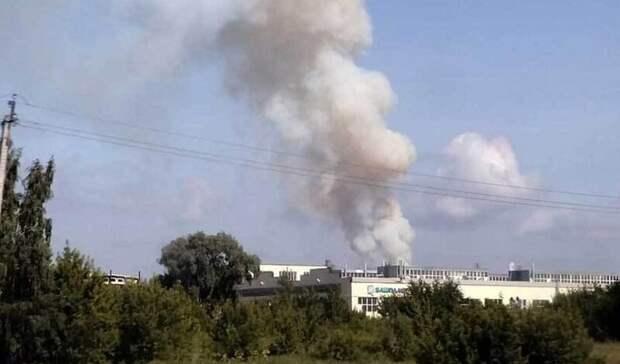 В Стерлитамаке загорелось здание склада с порохом