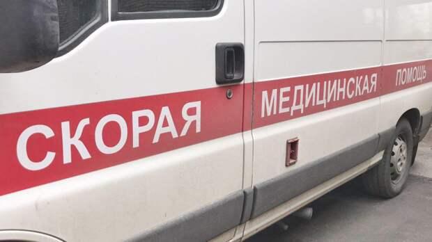 Два пешехода попали под колеса иномарки в Екатеринбурге
